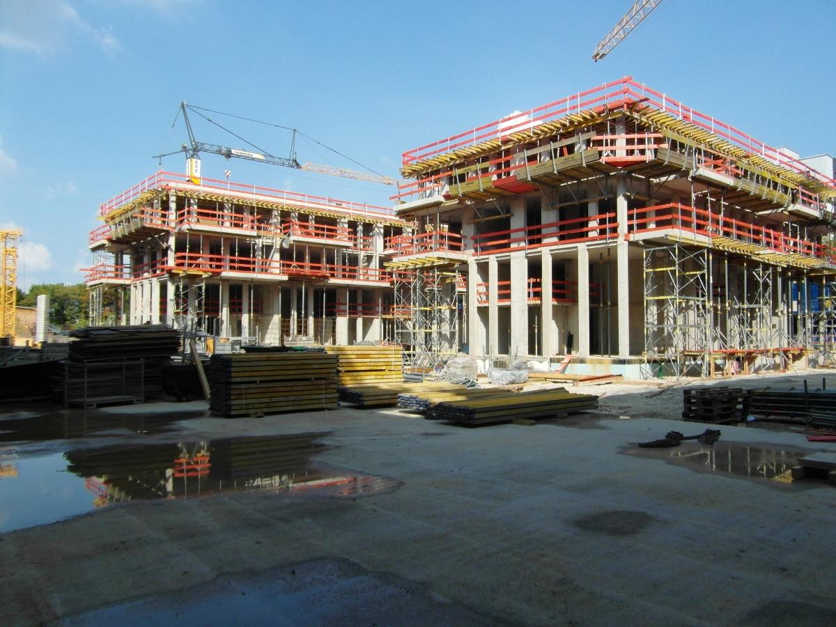 Prace budowlane apartamentowca w Monachium, ulice Ackermann i Schwere-Reiter-Strasse (Niemcy)