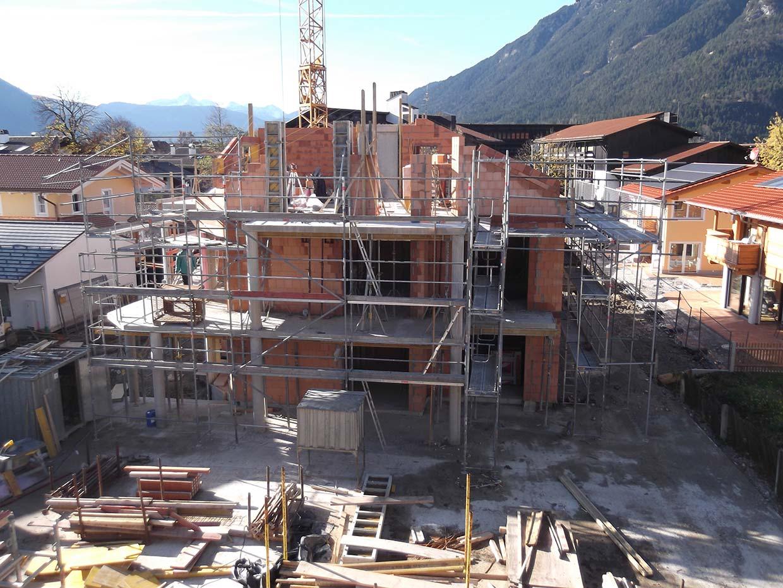 Budowa dwóch domów wielorodzinnych z garażami podziemnymi w Garmisch-Partenkirchen (Niemcy)