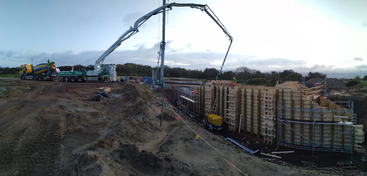Roboty szalunkowe, zbrojarskie, betoniarskie wraz z zapewnieniem operatora dźwigu przy budowie mostów w Halmstad (Szwecja)