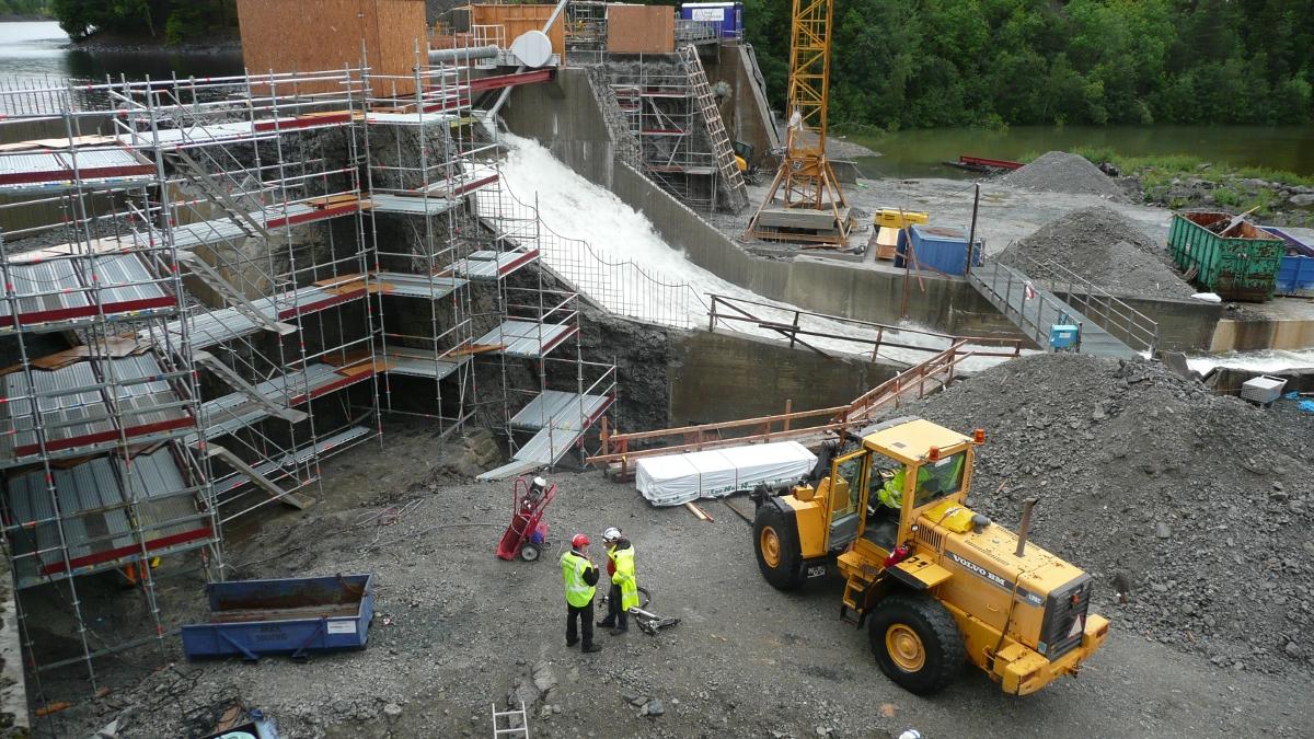 Remont konstrukcji żelbetowej zapory elektrowni wodnej w Järpen (Szwecja)