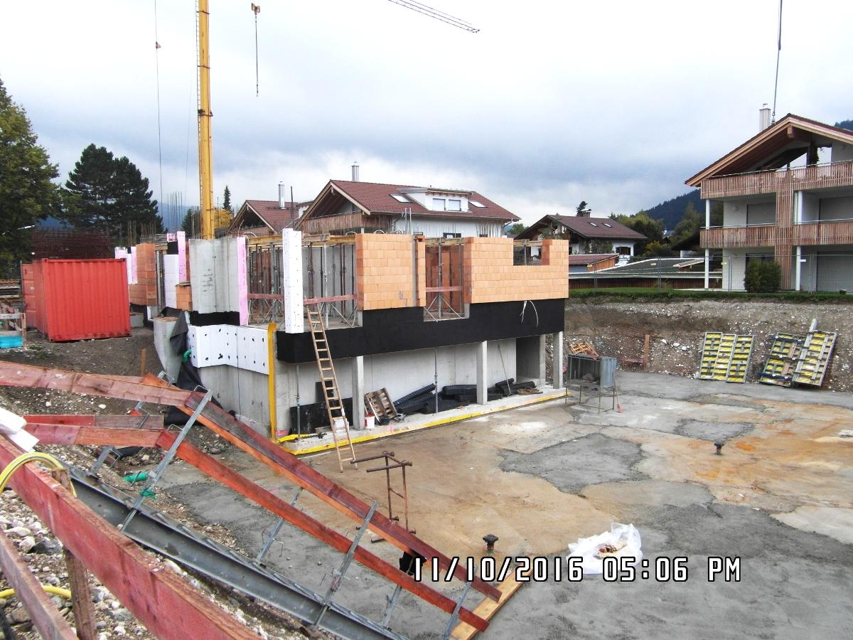Budowa budynku mieszkalnego z garażami podziemnymi w Garmisch-Partenkirchen, Jungfernweg (Niemcy)