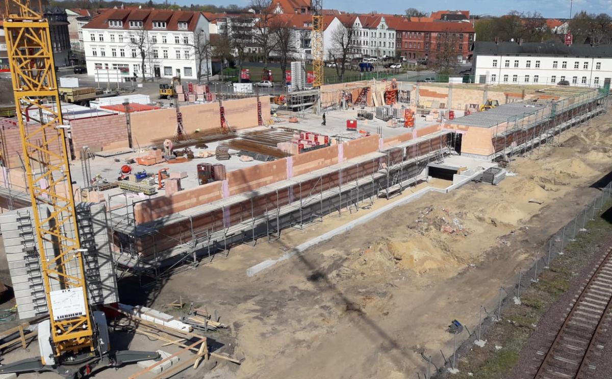 Budowa marketu REWE, Rossmann i Woolworth w Wittenberge, Bahnhofstr. (Niemcy)